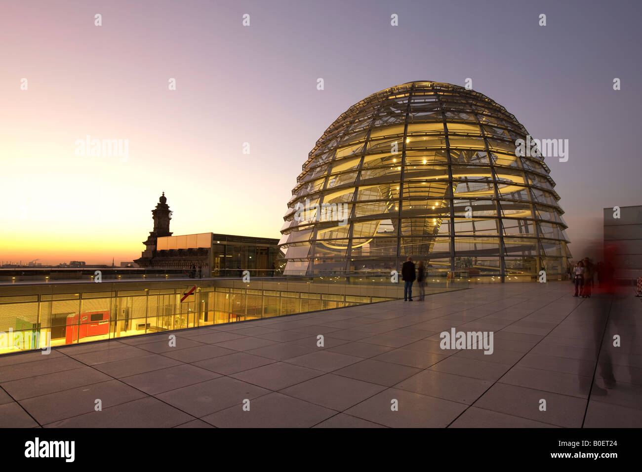 Berlin Reichstag buidling roof terasse cupola by Sir Norman forster at twilight - Stock Image