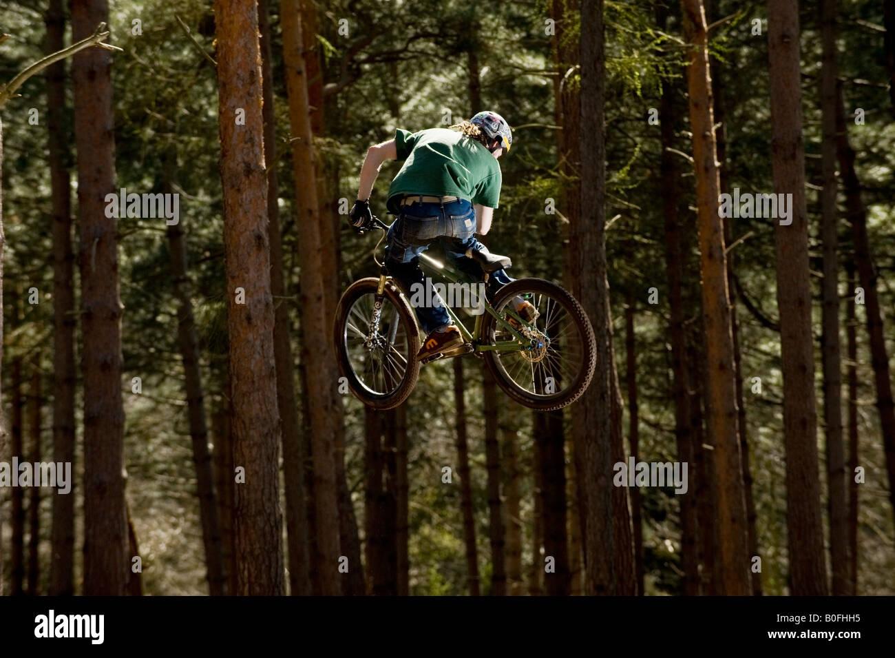Dirt Bike Ramp >> mountain bike dirt jump trick stunt air leap bmx mountain bikes MTB Stock Photo: 17553457 - Alamy