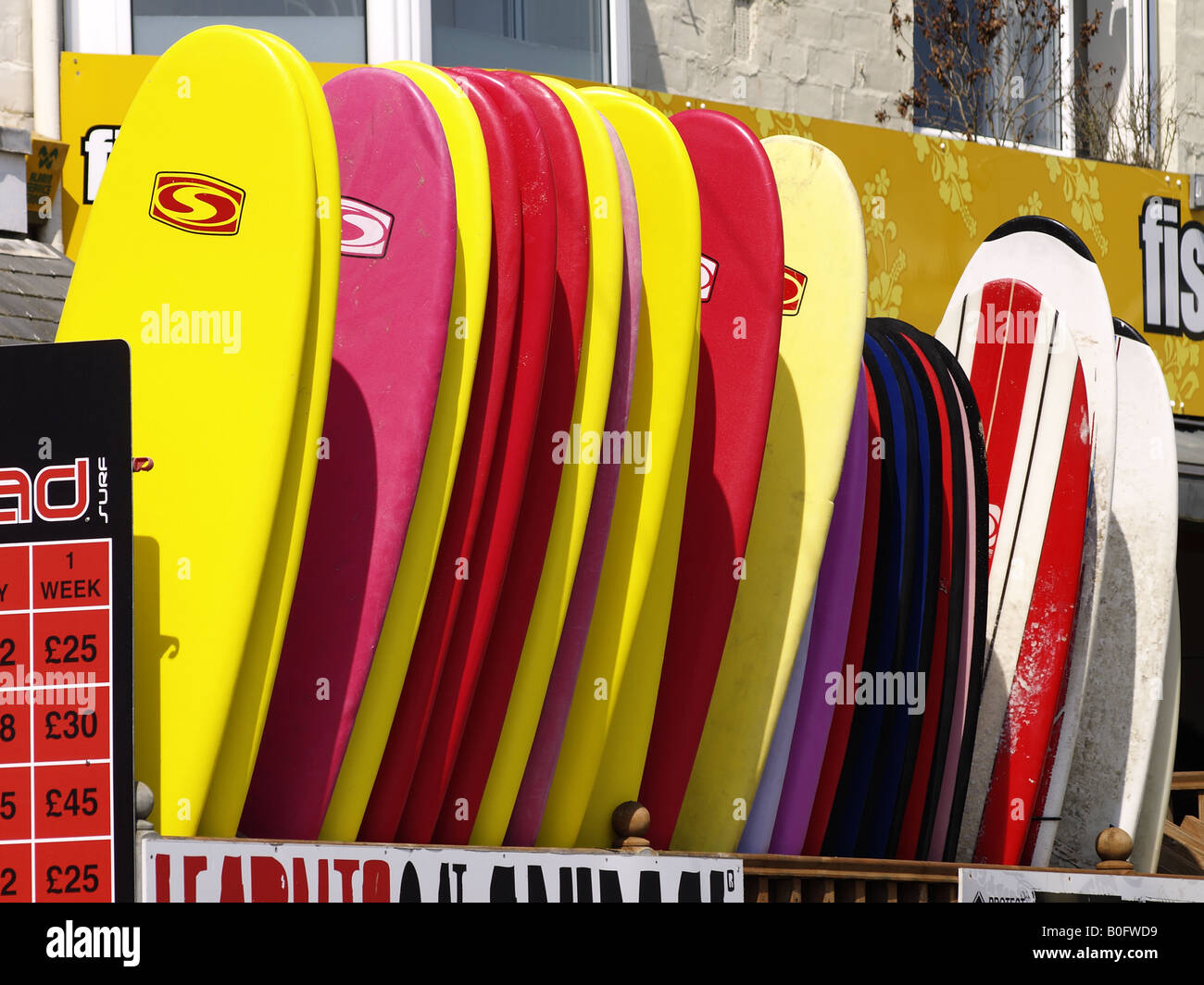 Surfboards Row Stock Photos & Surfboards Row Stock Images - Alamy