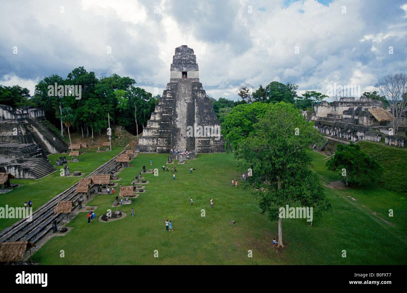A view of the main pyramid or temple at Tikal Mayan ruins in the highlands of Guatemala Tikal was a major city of - Stock Image