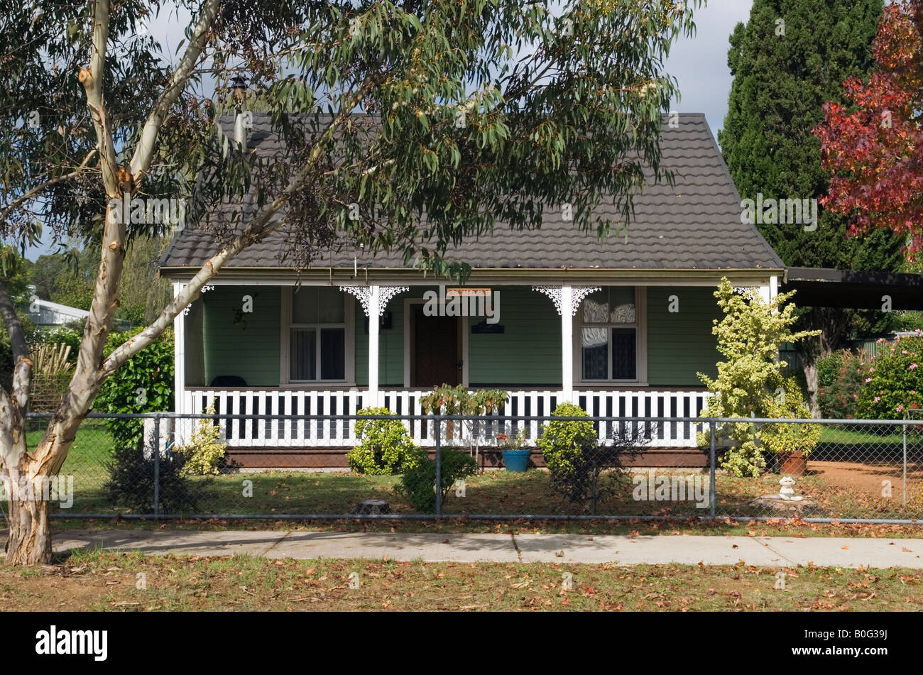 Australian country town cottage - Stock Image