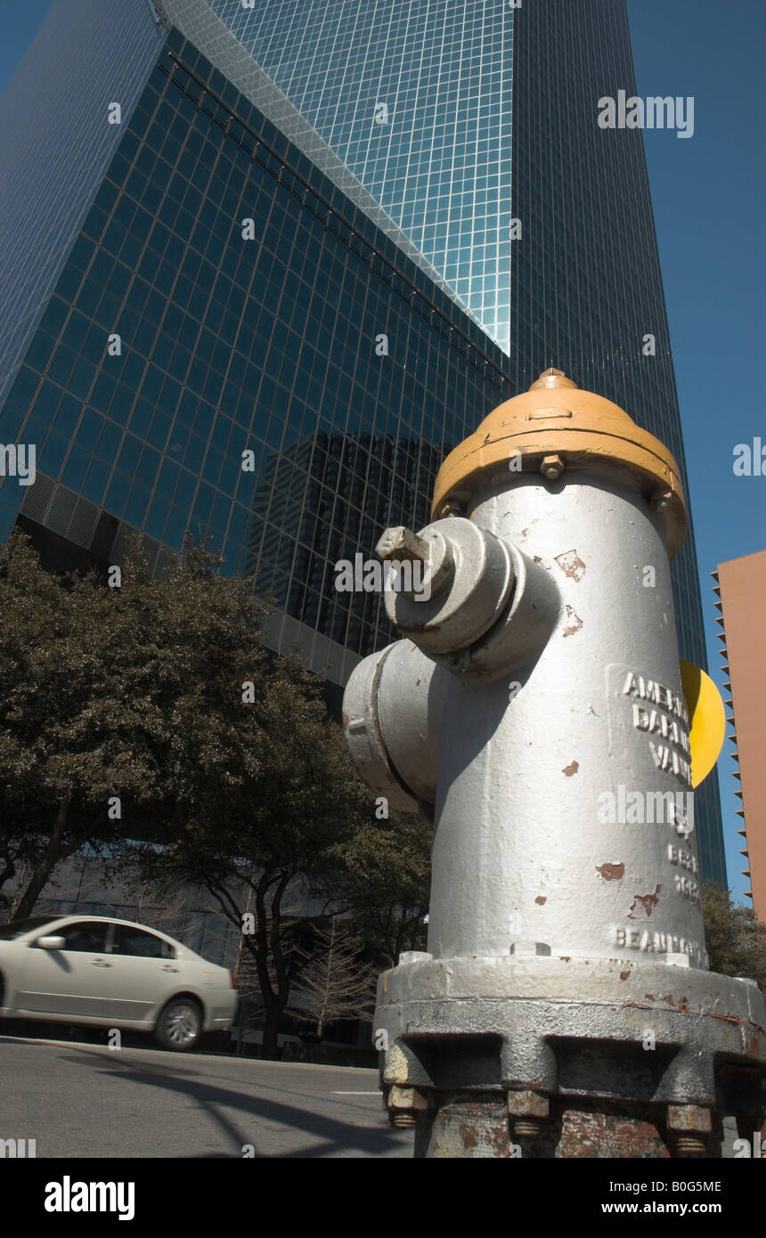 Fire Hydrant outside office tower in Dallas - Stock Image