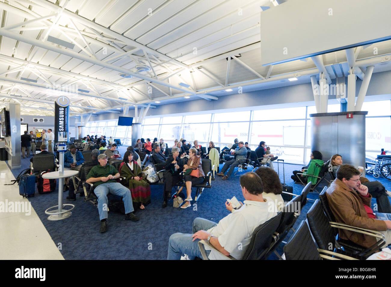 Departure Gate in American Airlines Terminal 8, JFK Airport, New York - Stock Image