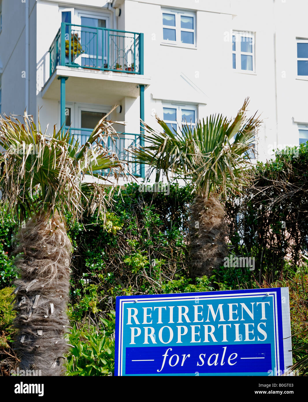 new retirement properties for sale on the seafront at falmouth,cornwall,england - Stock Image