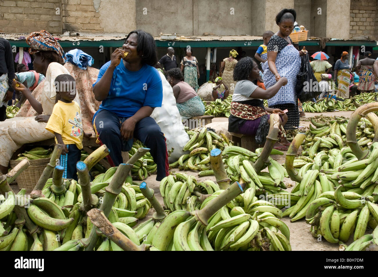Market specialized in selling plantains (cooking bananas), Accra, Ghana - Stock Image