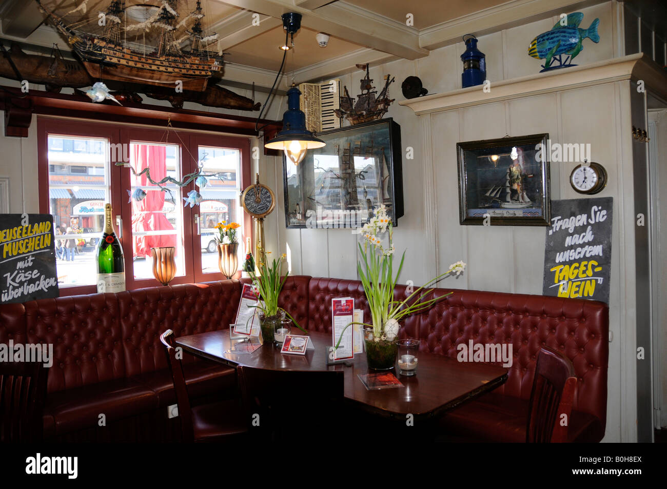 Restaurant Room Decorated With Nautical Memorabilia Of The Stock Photo Alamy
