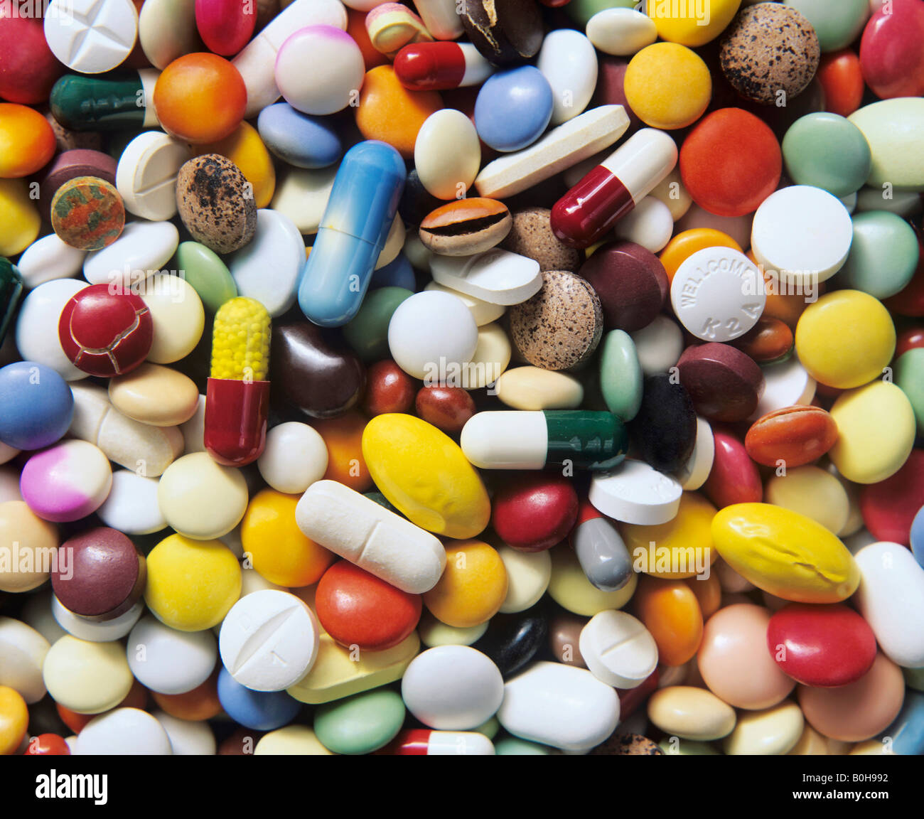 Pharmaceuticals, expired pills, cracked tablets, shrinkage and discolouration - Stock Image