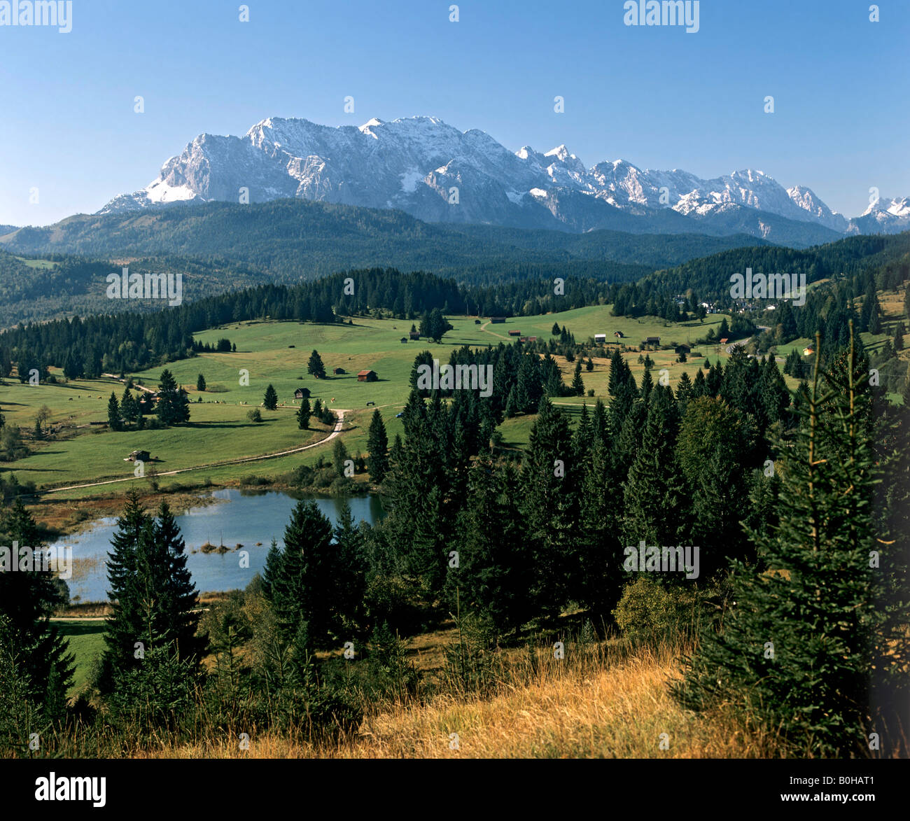 Lake Tenn, panoramic view, Wetterstein Range at back, Kruen, Upper Bavaria, Bavaria, Germany - Stock Image