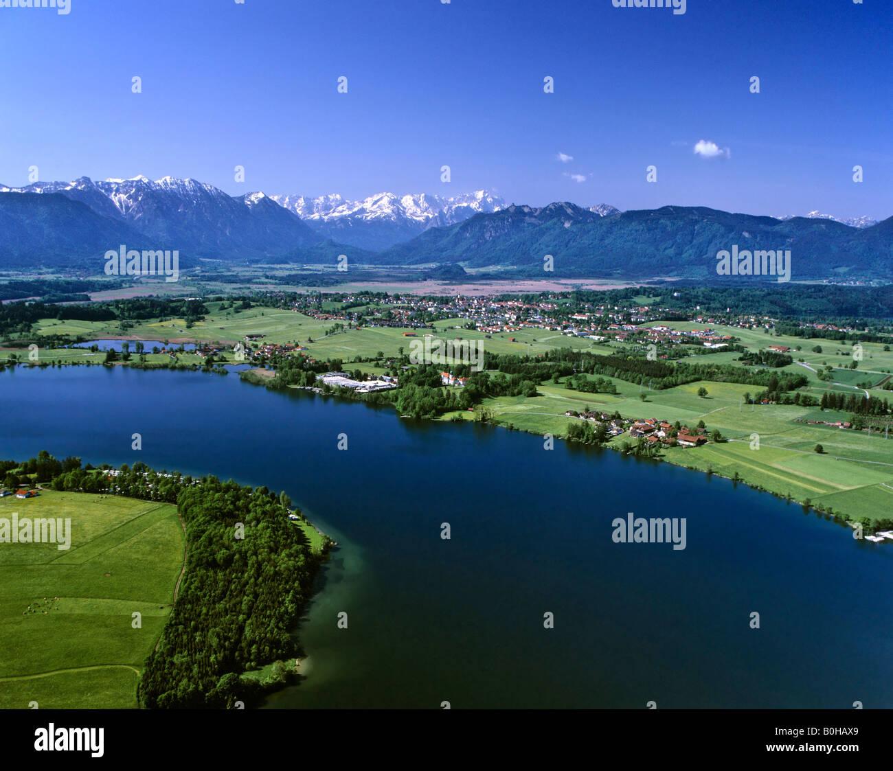 Lake Riegsee, Murnau, Loisachtal Valley, Wedenfelser Land region, Upper Bavaria, Bavaria, Germany - Stock Image