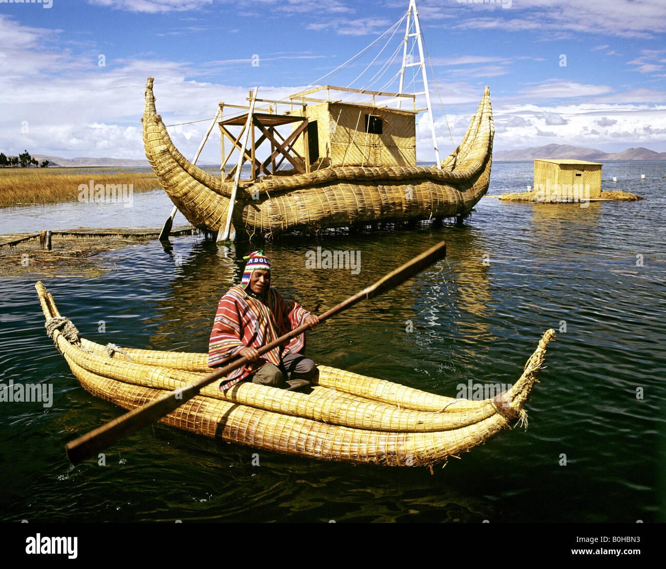 Papyrus boat on Lake Titicaca, Titi Kontiki, Bolivia - Stock Image