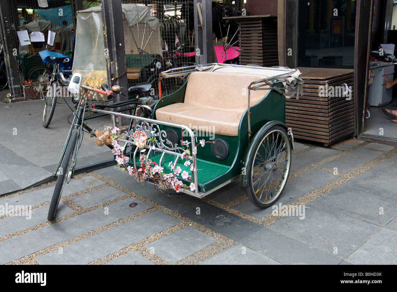 Bicycle taxi, Chinatown, Singapore, Southeast Asia - Stock Image
