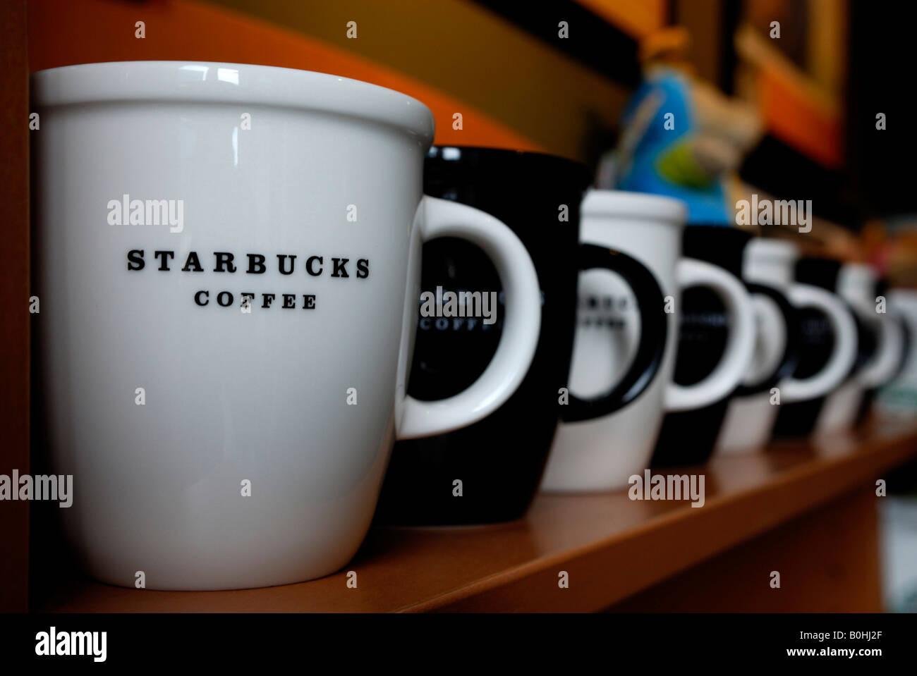 In ShelfStuttgart A Starbucks Row On Coffee And Mugs Black White OXuPZTki