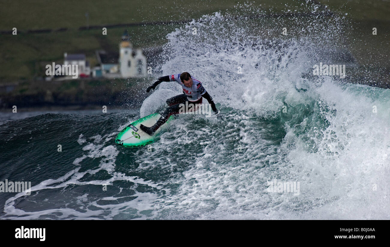 Surfer surfing at Thurso East, during the O'Neill Highland Open 2008, Thurso, Caithness, Highlands, Scotland - Stock Image