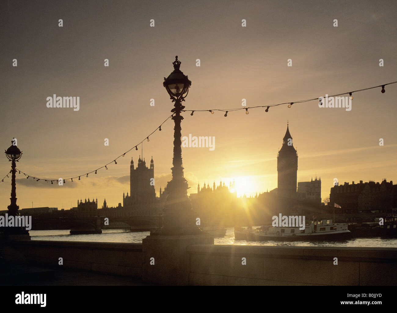 sunset river thames london england uk europe houses of parliament big ben view from the embankment - Stock Image