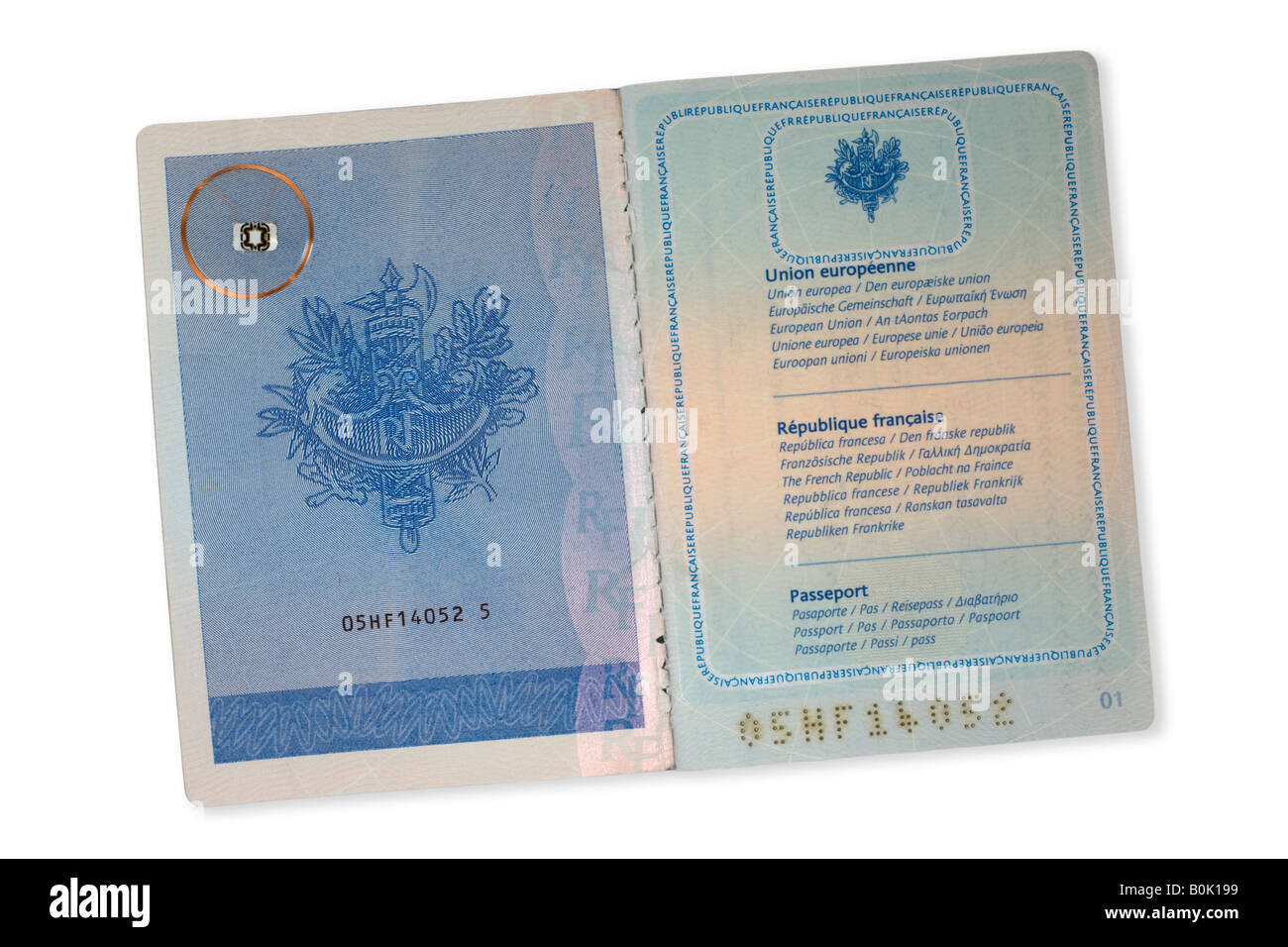 a rfid microchip on a french passport puce rfid sur un. Black Bedroom Furniture Sets. Home Design Ideas