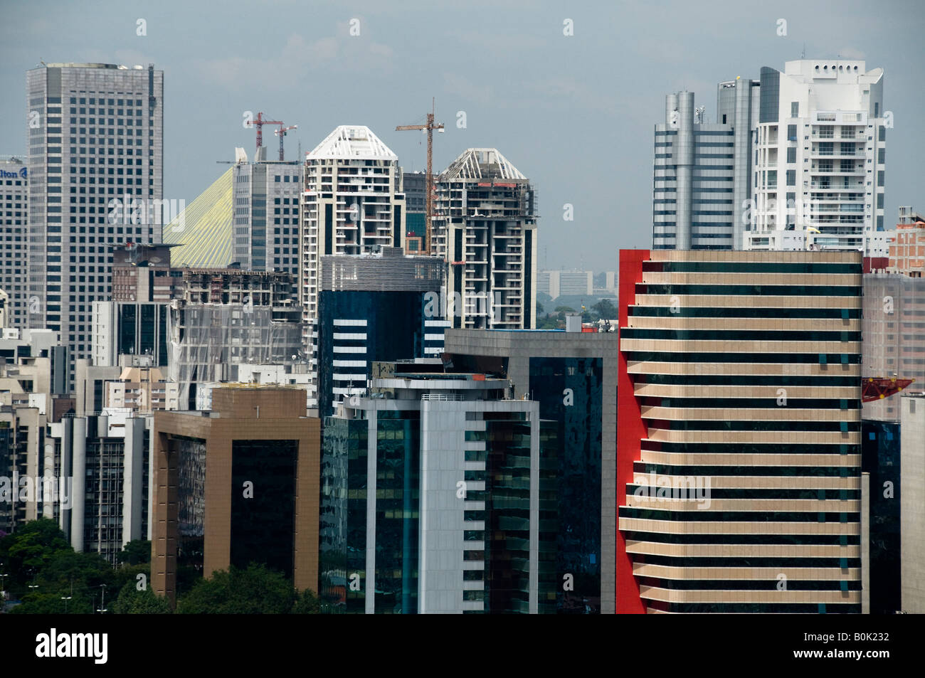 Sao Paulo s skyline seen from Berrini Avenue Sao Paulo Brazil 02 14 08 Berrini avenue - Stock Image