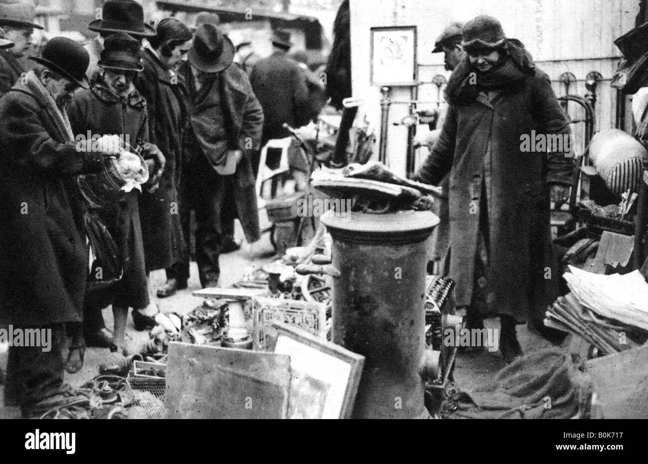 Old Iron Fair on the Boulevard Richard Lenoir, Paris, 1931. Artist: Ernest Flammarion - Stock Image