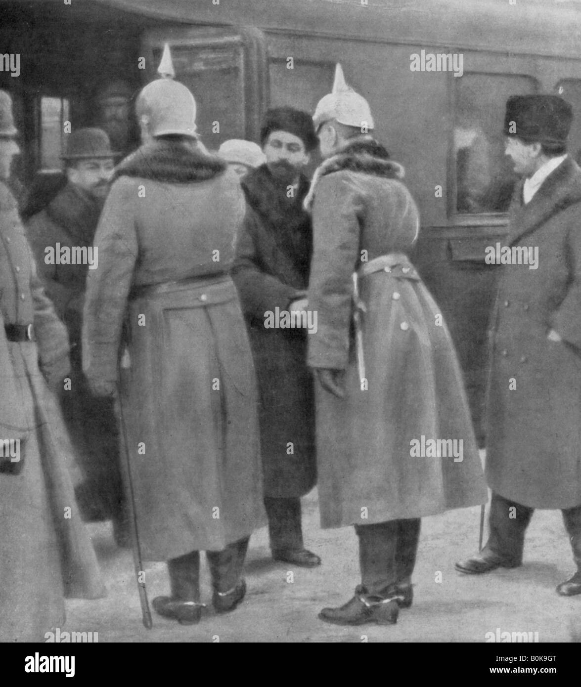 Leon Trotsky arriving for peace negotiations with the Germans, Brest-Litovsk, 7 January 1918. Artist: Unknown - Stock Image