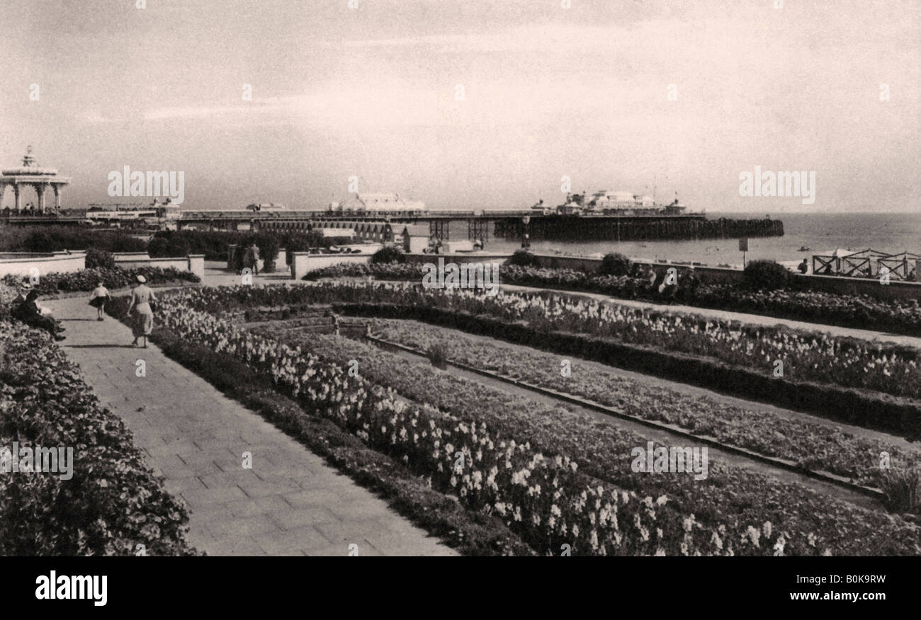 Floral gardens and the West Pier, Brighton, Sussex, 1938. Artist: Unknown - Stock Image