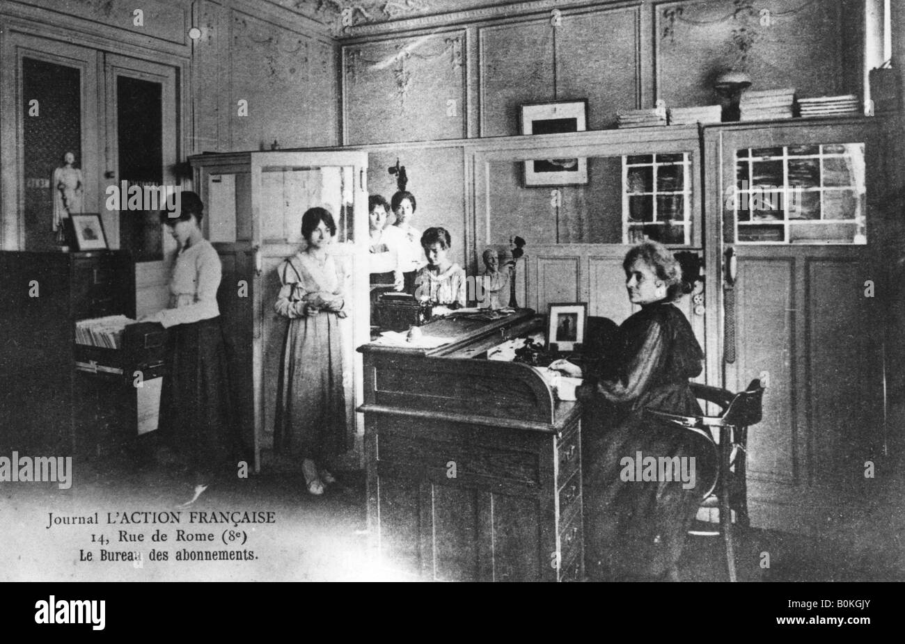 Subscriptions office of the newspaper 'L'Action Francaise', Paris, 1917. French postcard.  Artist: Unknown - Stock Image