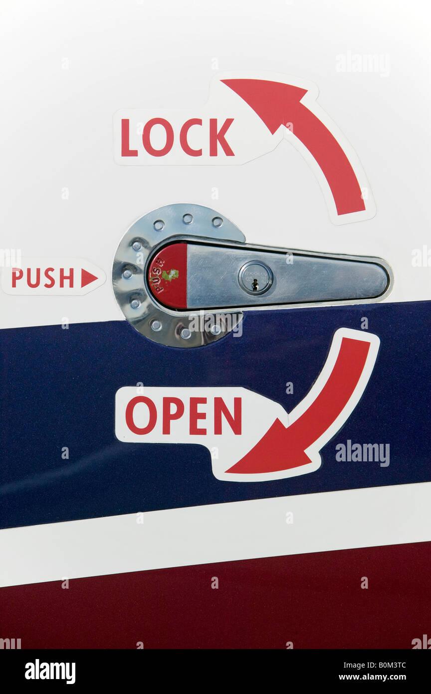 King Air open lock push latch cabin latch aircraft arrows