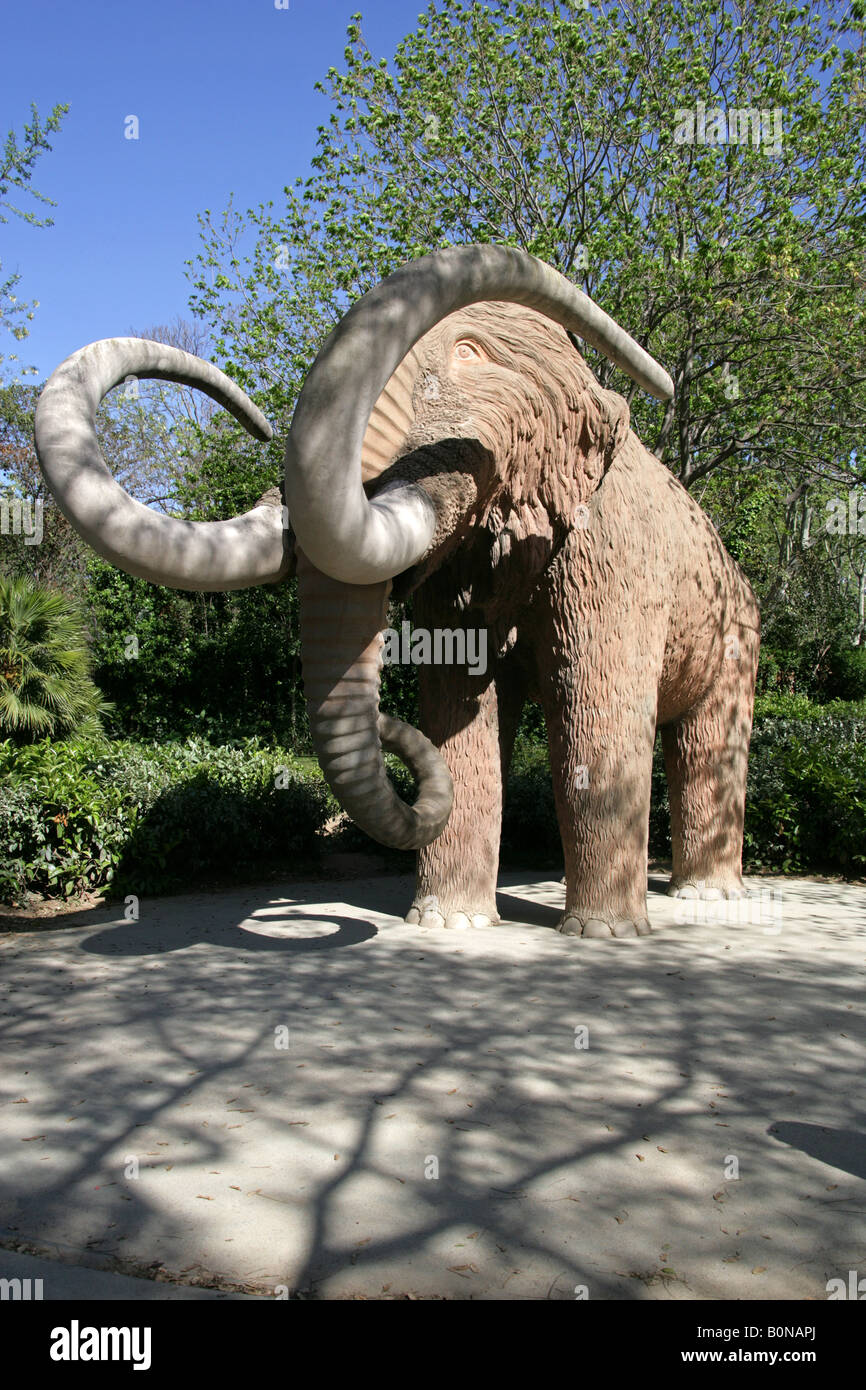 Woolly Mammoth Statue Parc De La Ciutadella Barcelona Spain Stock Photo Alamy
