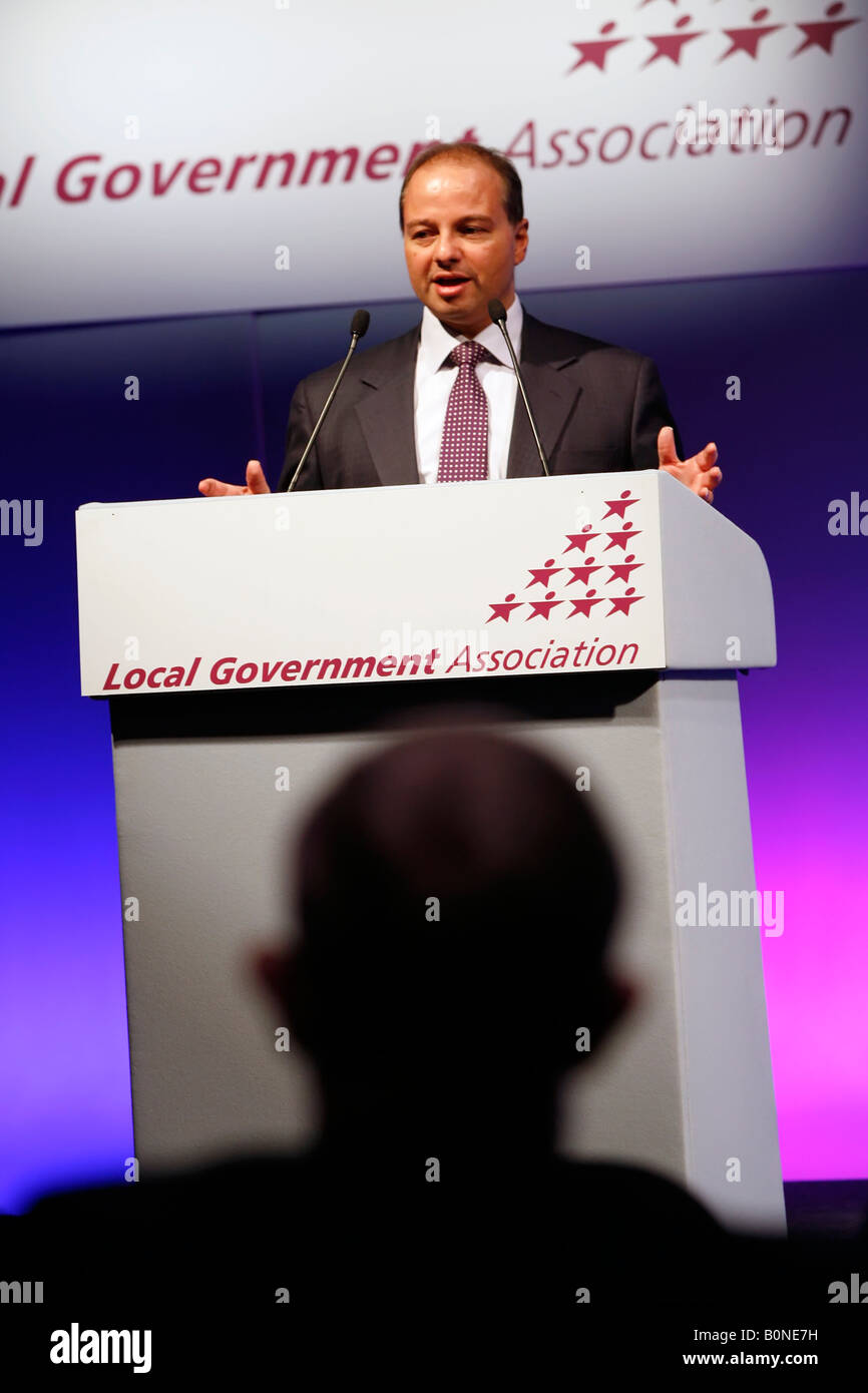 Sir Simon Milton addressing the Local Government Association conference - Stock Image