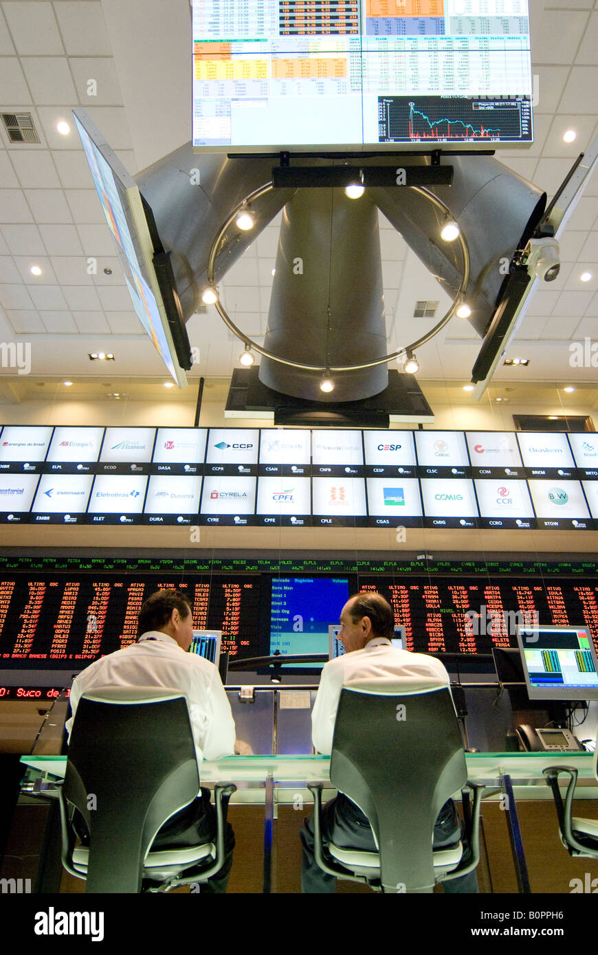Stock brokers operate at Bovespa Sao Paulo Brazil 02 08 08 - Stock Image