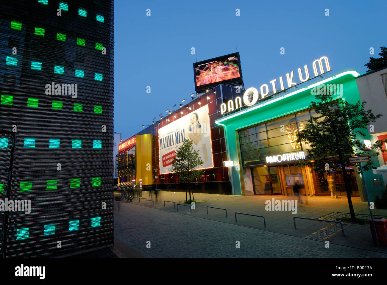 The musical theatre Operettenhaus and the wax works at the Reeperbahn in Hamburg, Germany - Stock Image