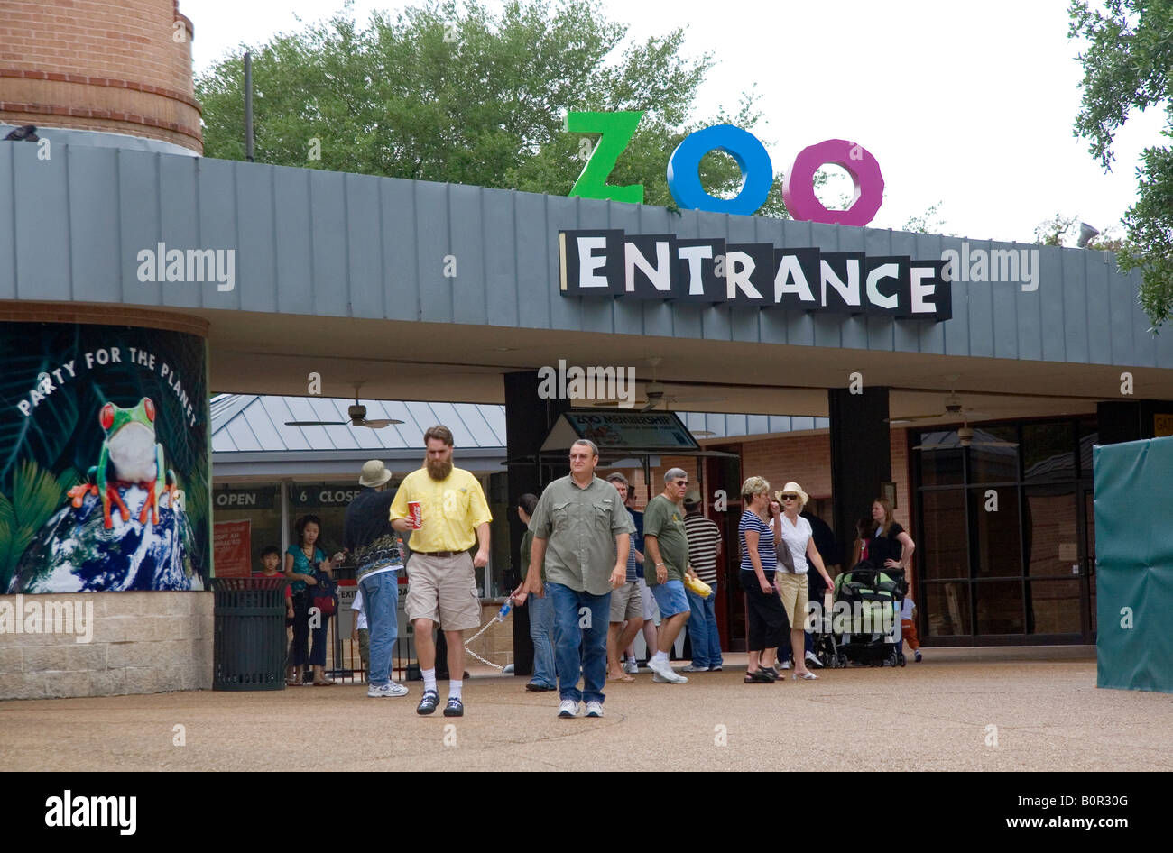 Houston Zoo entrance located within Hermann Park in Houston Texas - Stock Image