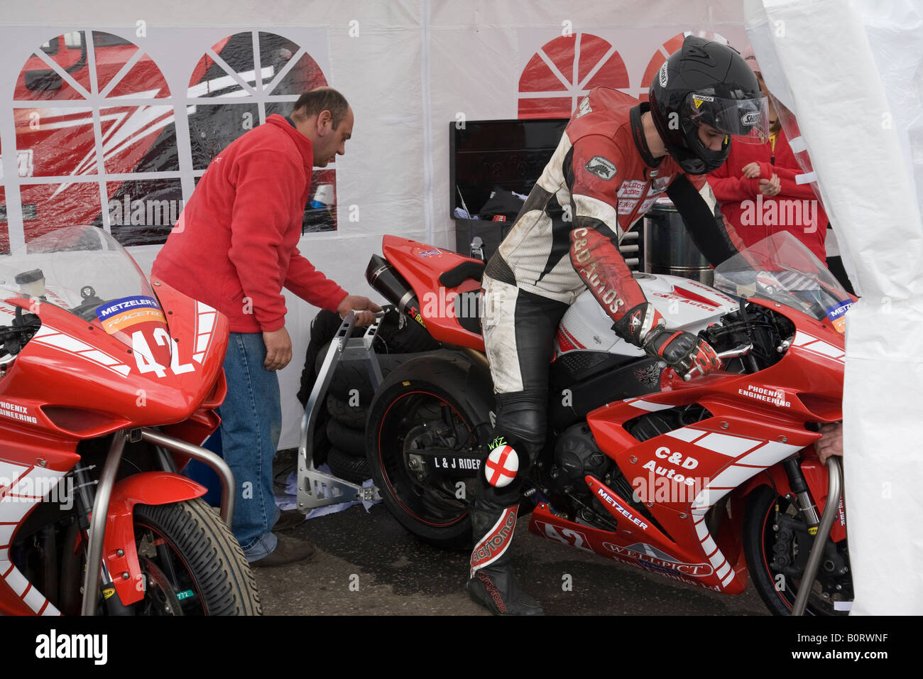 Michael Elliott prepares to exit the paddock for practice in the Metzeler National Superstock 1000 Championship, - Stock Image
