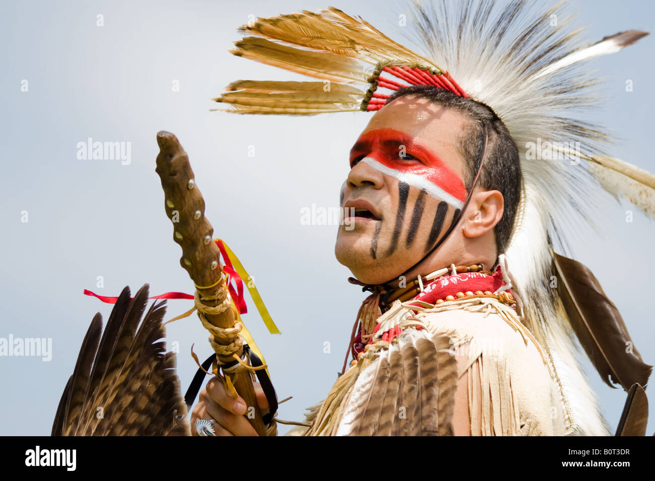 American Indian dancer at the 8th Annual Red Wing Native American PowWow in Virginia Beach, Virginia - Stock Image