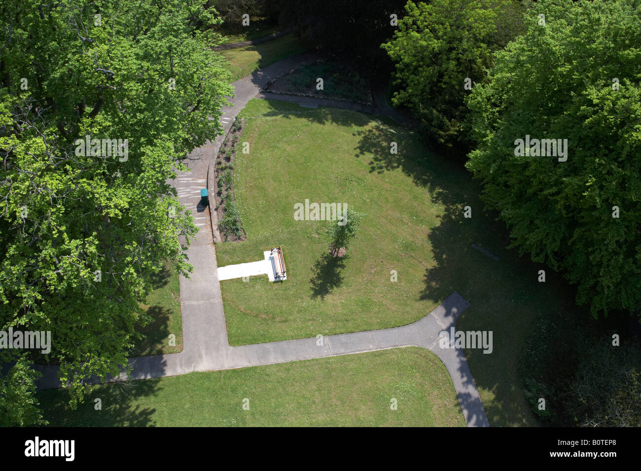 aerial view of parkland from the coles monument including pathway bench litter bin lawns trees in forthill park - Stock Image