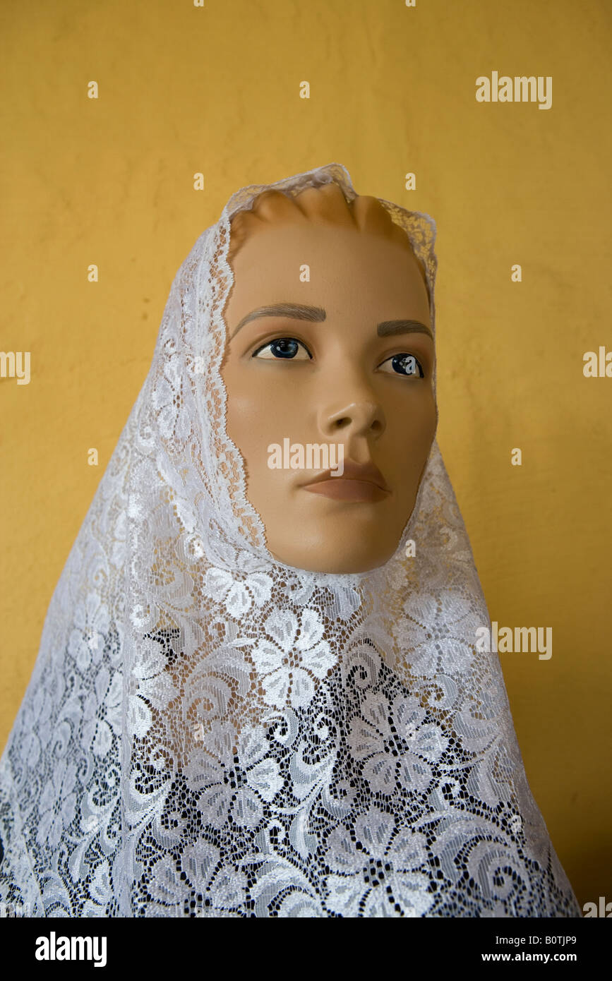 Spanish Dress Stock Photos & Spanish Dress Stock Images - Alamy