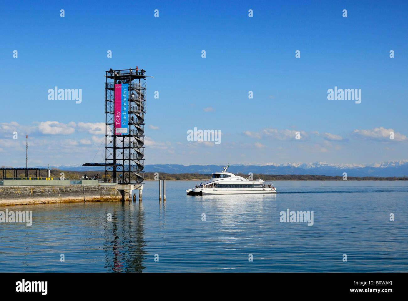 Molenturm Tower and the MF-Friedrichshafen ferry, Friedrichshafen, Baden-Wuerttemberg, Deutschland, Europa - Stock Image