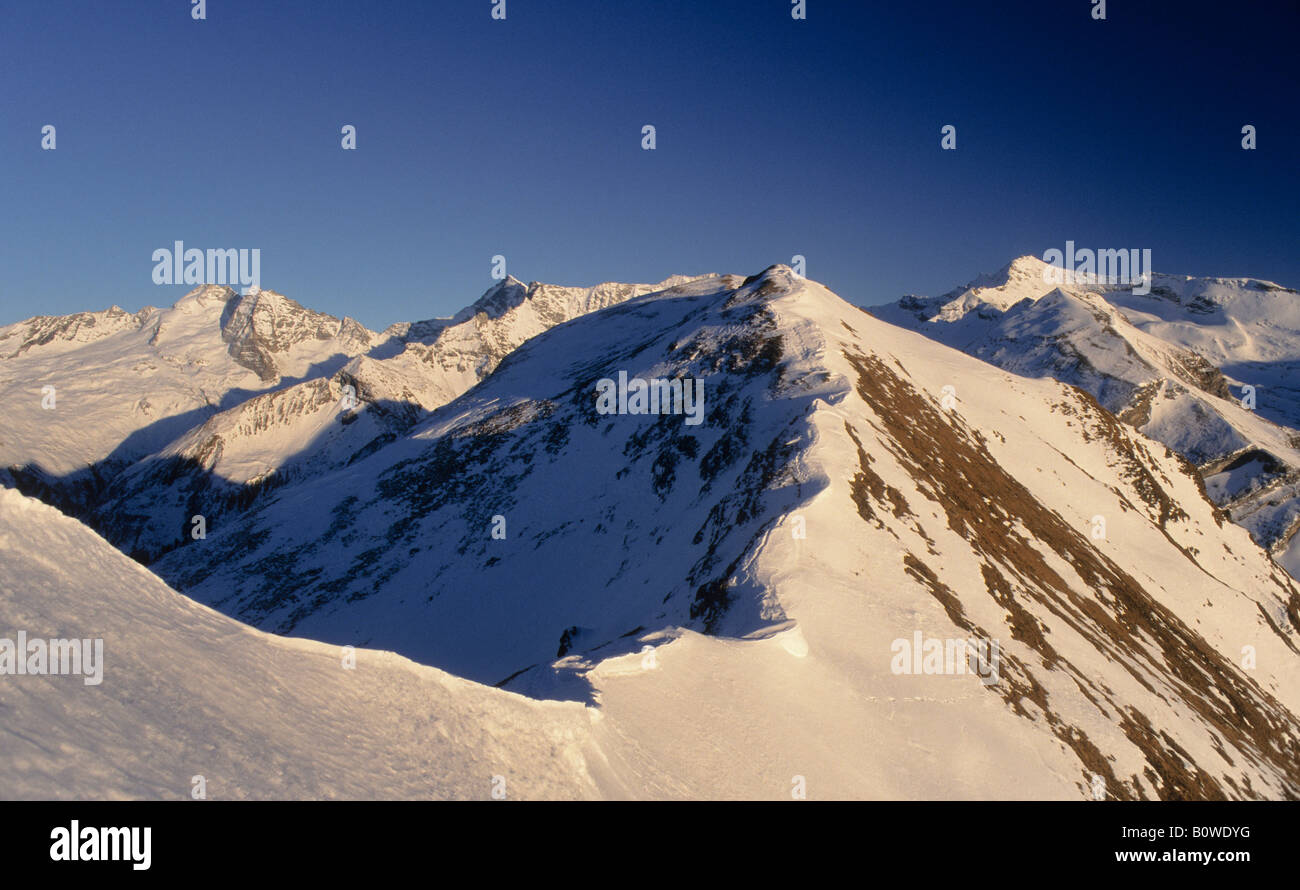 Snow ridge, cornice, Tux Alps, Tyrol, Austria, Europe - Stock Image