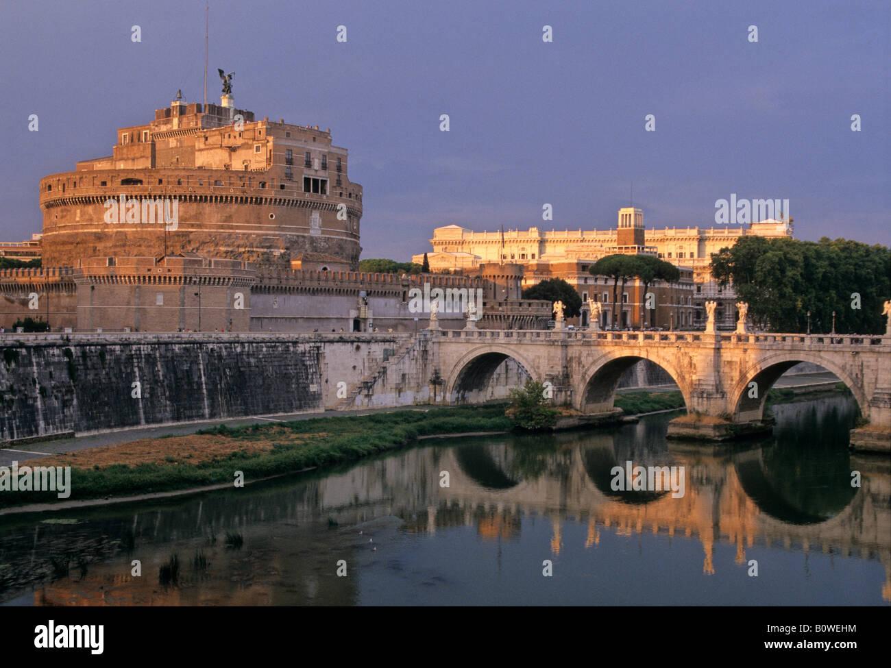 Angel's Castle, Angel's Bridge, Law Courts (back), Rome, Latium, Italy - Stock Image