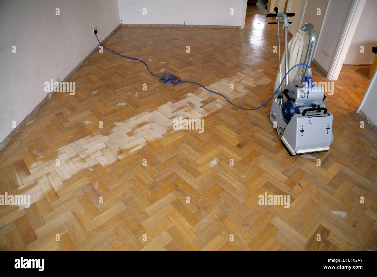 Sanding Reclaimed Oak Parquet Flooring Stock Photo Alamy - How much is parkay flooring