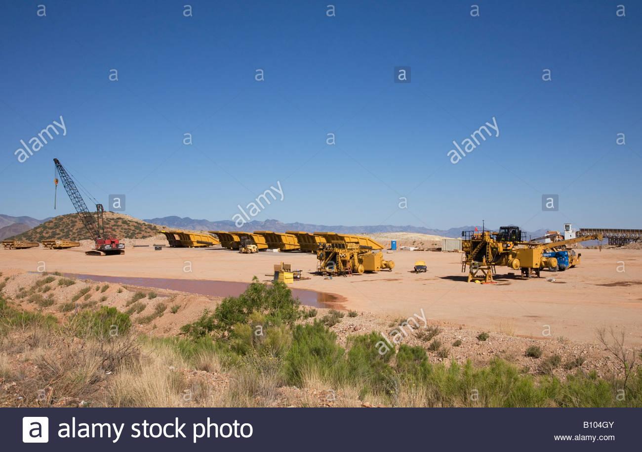 Assembling mine haul truck caterpillar 793D 240 ton nominal capacity - Stock Image