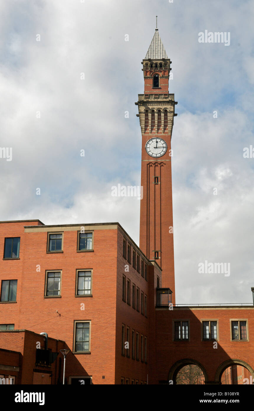Joseph Chamberlain Memorial Clock Tower in Chancellor's court at the University of Birmingham Stock Photo