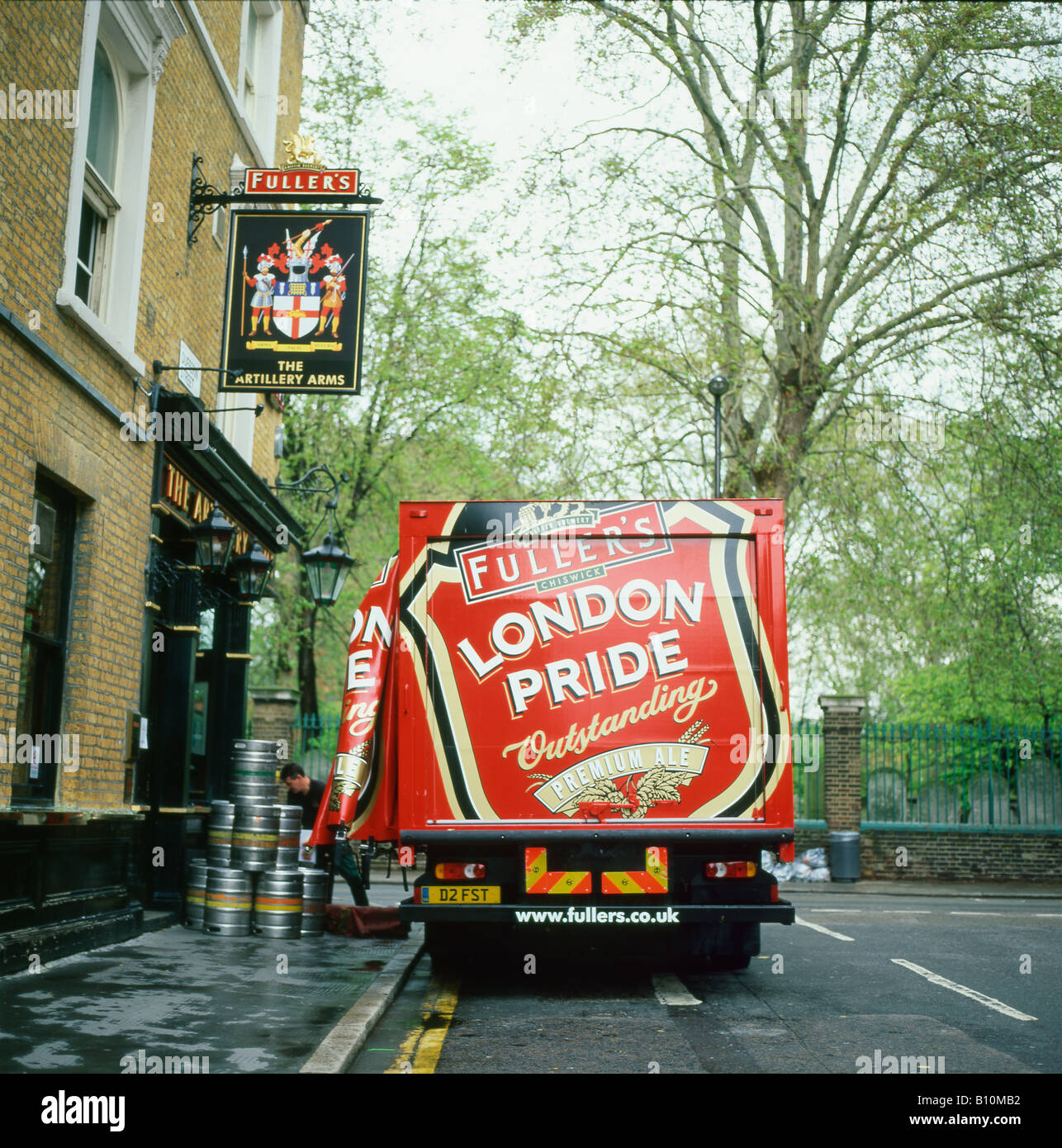 Fullers London Pride lorry delivering beer barrels to the Artillery Arms pub near Bunhill Fields central London - Stock Image
