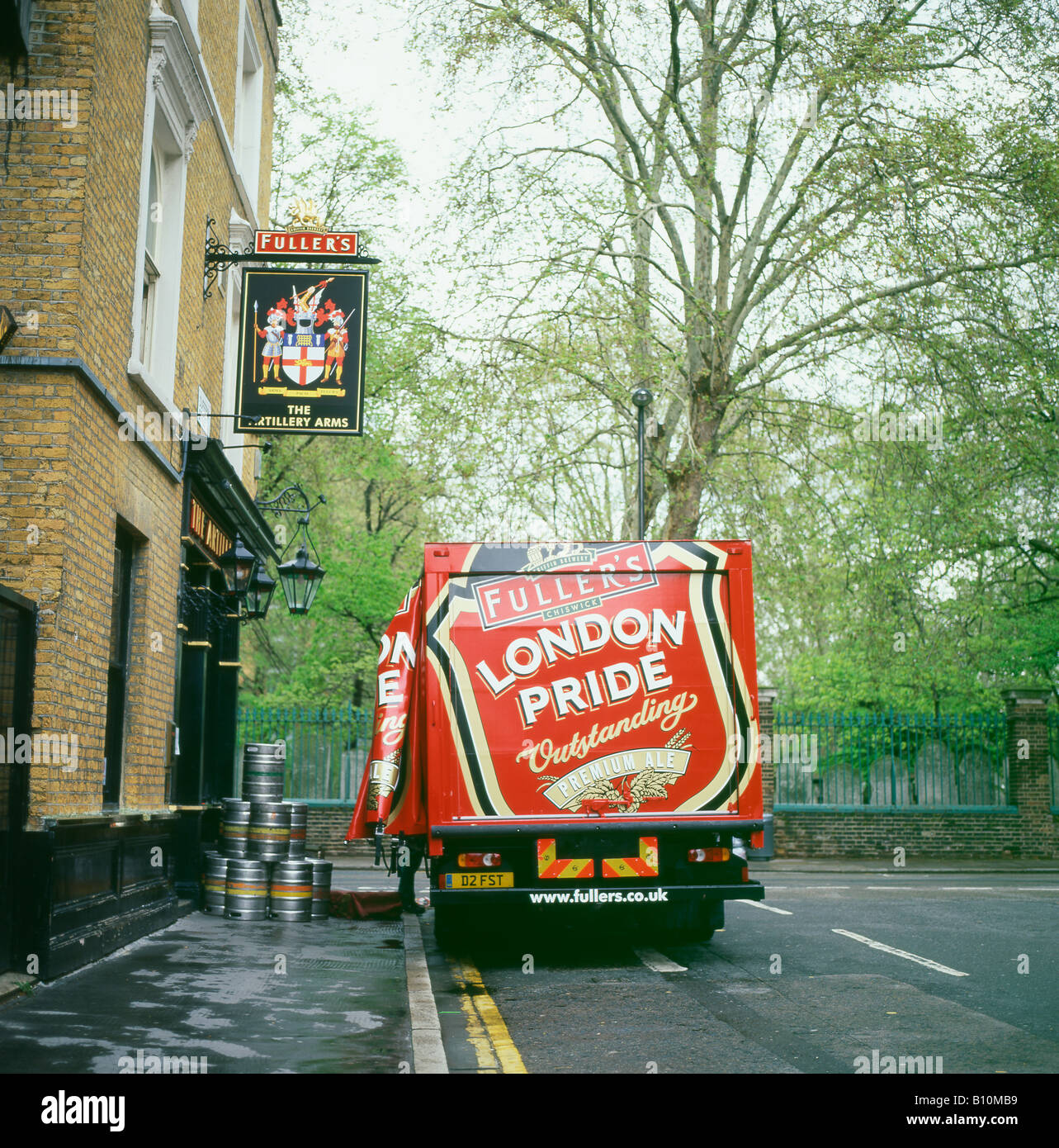 Fuller's London Pride lorry delivering beer barrels to the Artillery Arms pub near Bunhill Fields central London - Stock Image