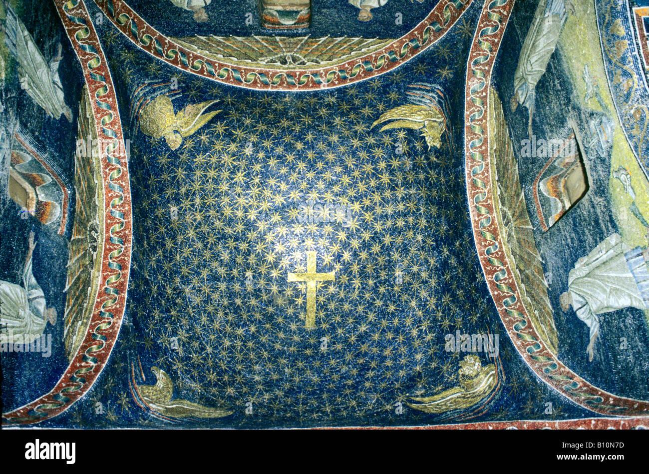 Ancient Art Architecture Collection Ltd Galla Placida Mausoleum mosaic Ravenna 5th c Italy - Stock Image