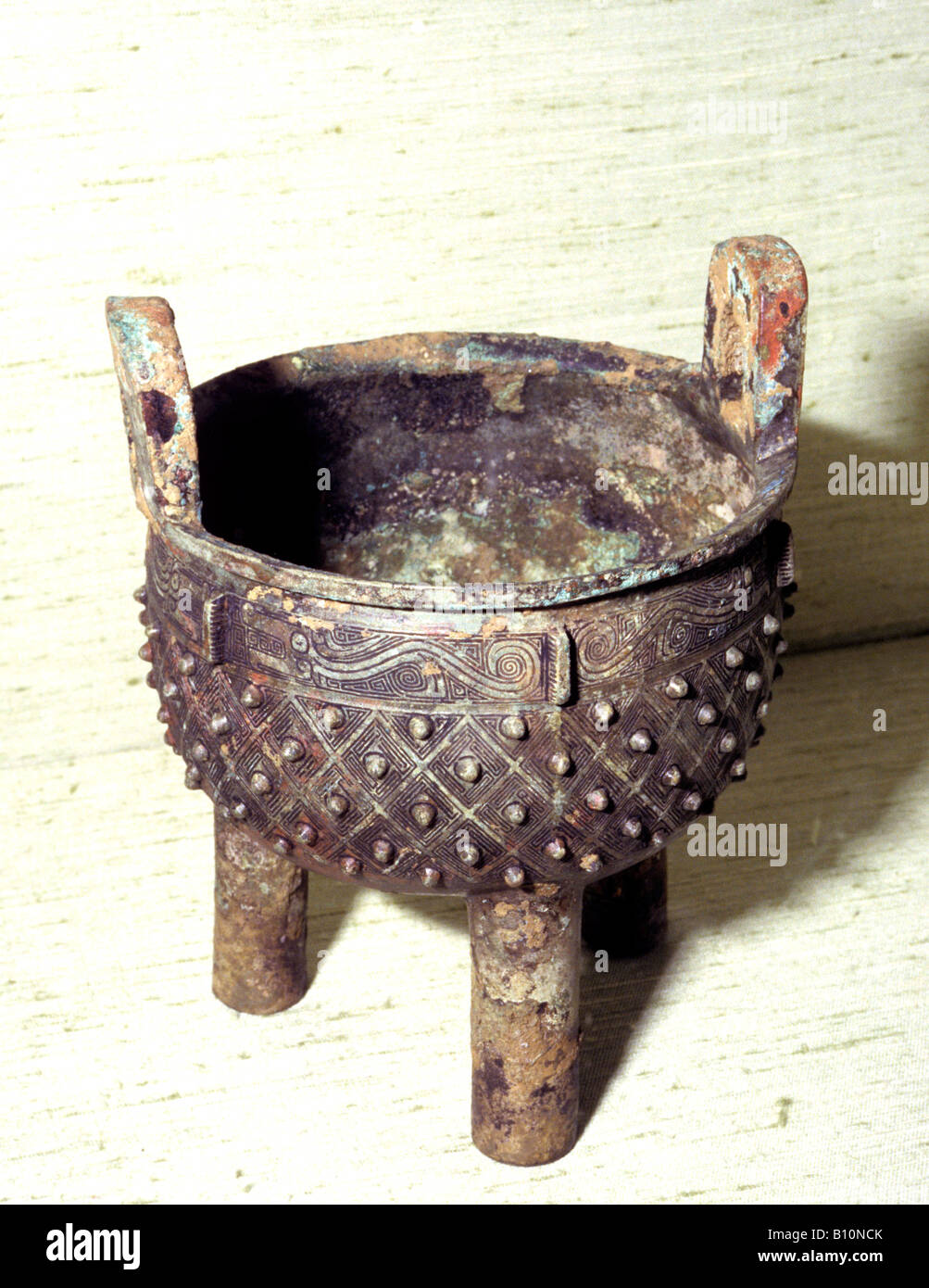 Bronze ritual vessel Ding Shang Dynasty 12th cent BC China - Stock Image