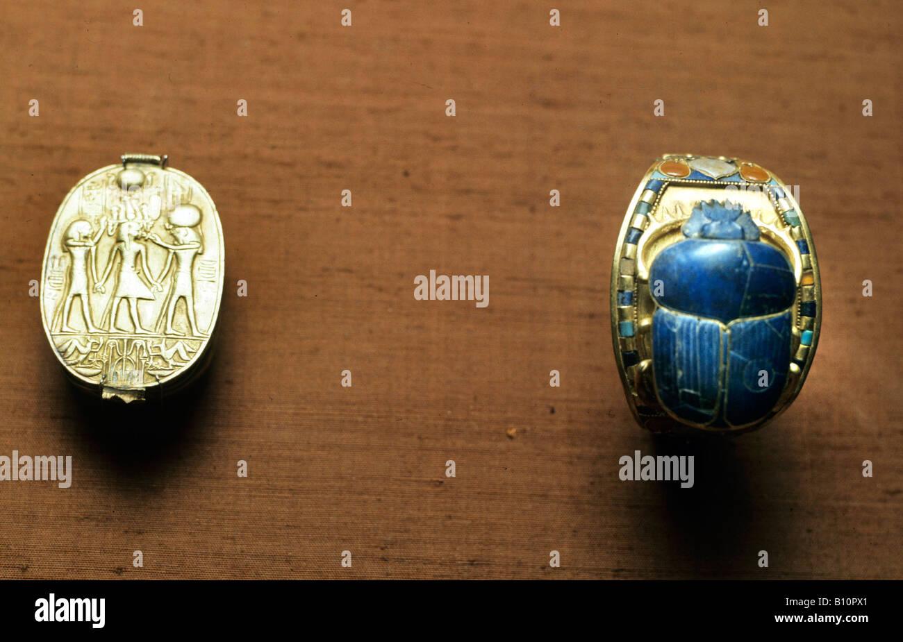 Tutankhamun Treasure scarab and bracelet Egypt Copyright AAAC Ltd - Stock Image