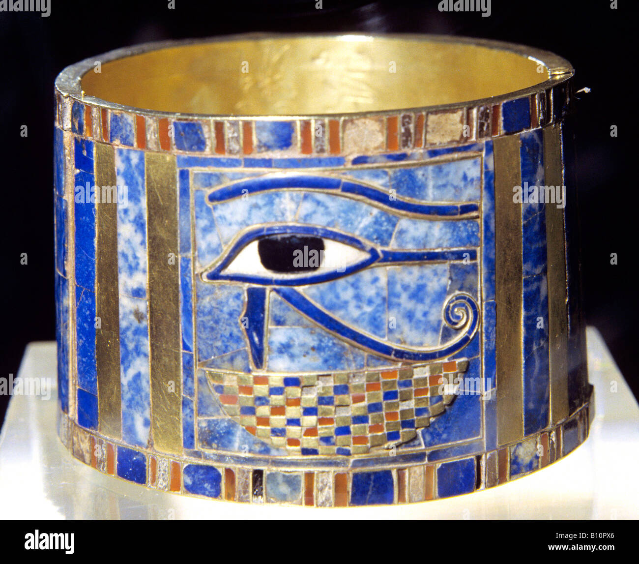 Cuff bracelet with eye Oudjat Tomb of Sheshonq II 930 BC Egypt - Stock Image