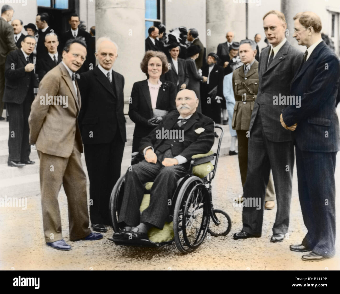 Physicists Schrodinger Born Lonsdale and Ewald with the Irish President Hyde in wheelchair and Prime Minister De Valera.  sc 1 st  Alamy : president in wheel chair - Cheerinfomania.Com
