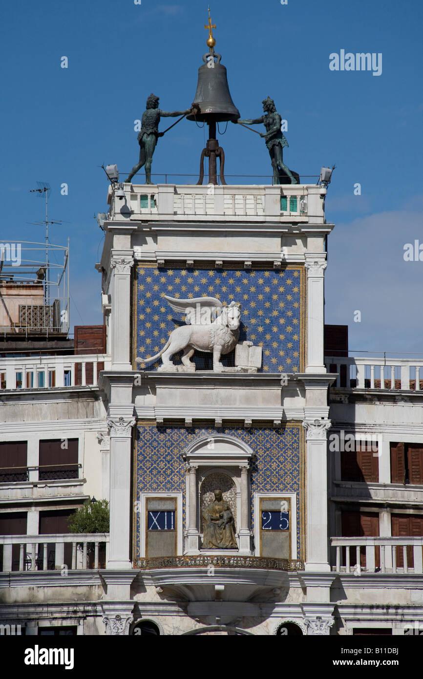 Venedig, Uhrturm, Obergeschosse mit Glockenspiel Stock Photo