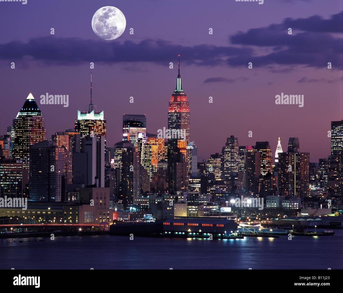 christmas empire state building midtown skyline manhattan new york city usa stock image