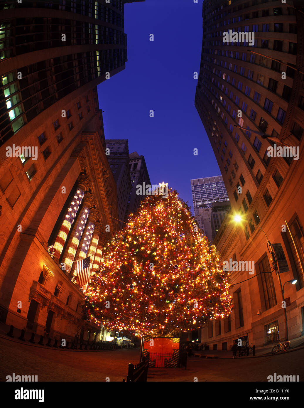 christmas tree lights broad street financial district manhattan new